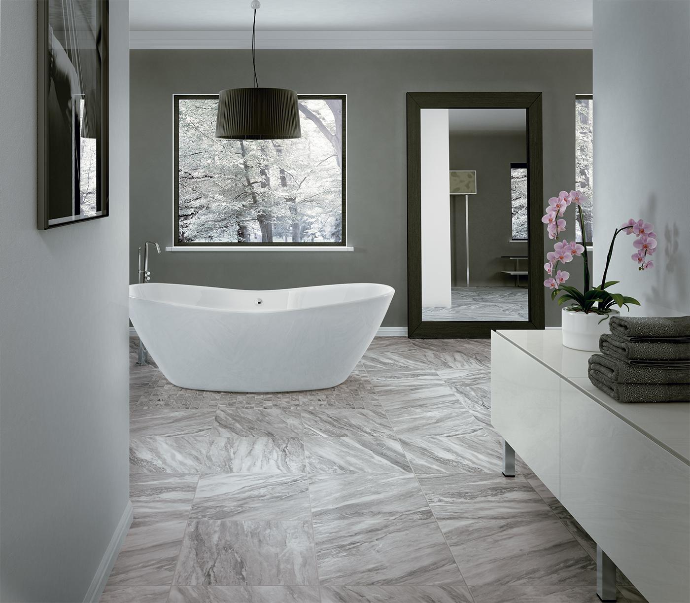 Mobili da bagno usati campania - Bagno in marmo bianco ...